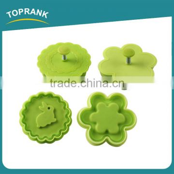 Toprank Custom Rabbit And Flower Shaped 2pcs 3D Cookie Press Plunger Cookie Stamp Plastic Mini Cookie Cutter Set With Handle