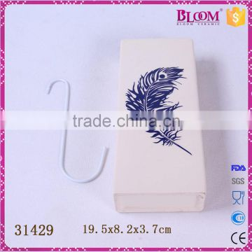 White ceramic hanging decoration for air humidifier