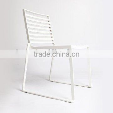 Slatted dining chair