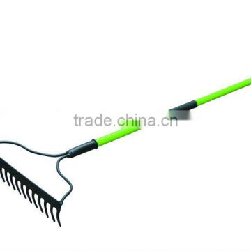 R110WL RAKE WITH WOODEN HANDLE