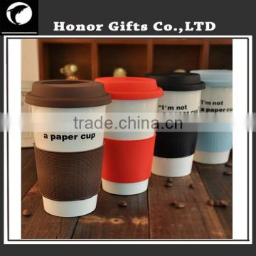 Heat-insulated Fashionable Customized Ceramic Mug With Silicone Lid