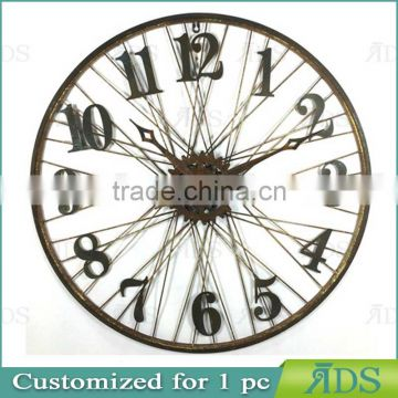 Classical wooden wall clock for home decoration