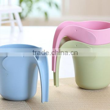 plastic cup with handle for kitchenroom and bathroom