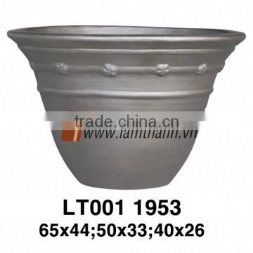 Vietnam Round Romance Painted Terracotta Planter
