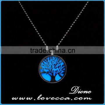 Fashion glow in the dark necklace wholesale
