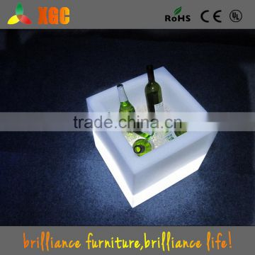 2015 New arrival battery operated LED illuminated square wine cooler plastic beer bucket
