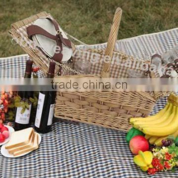 2014 New Style China 2 person Wicker bult Picnic basket set with cutlery