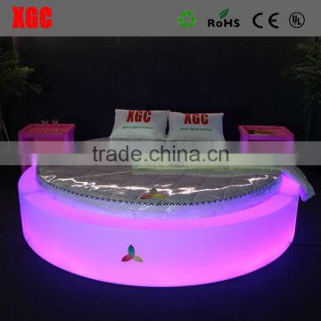New design bed room furniture glow bed luxury Circle shape hotel bed nightclub lounge furniture with LED lighting