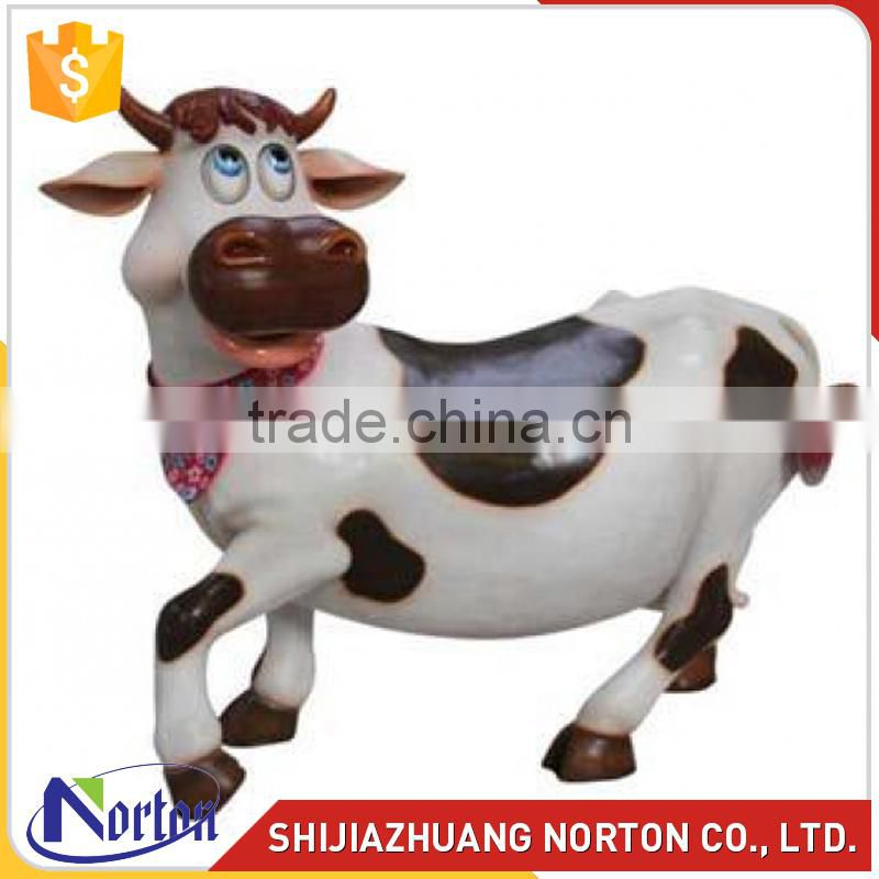 Cute fiberglass cow sculpture used for decoration NTRS-132LI