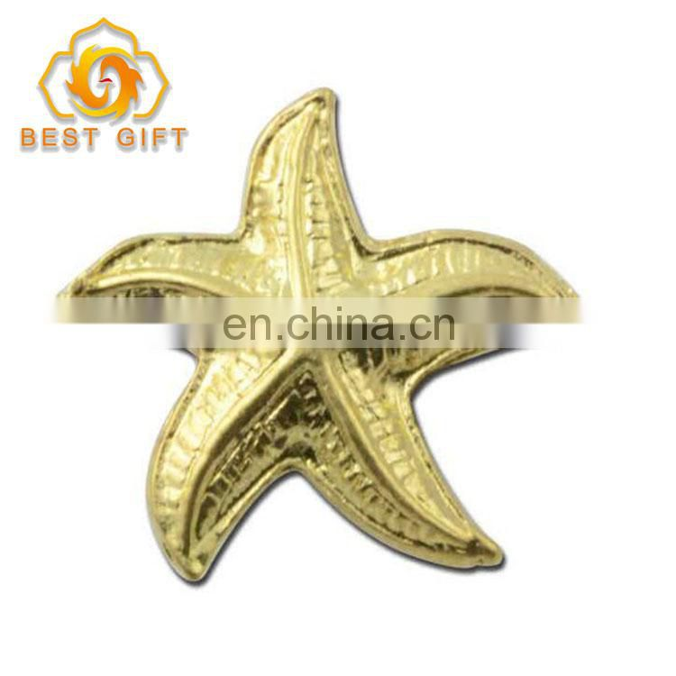 Cartoon Design Star Shaped Gold Color Metal Badge For Promotion