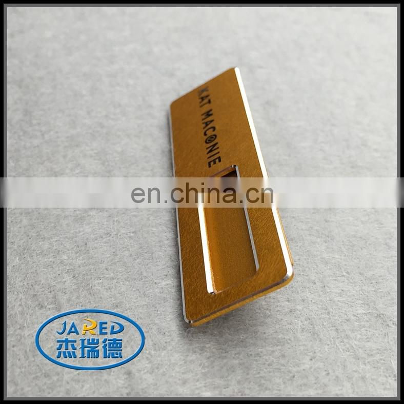 Good quality fashion 3d name badge gold color pin badge