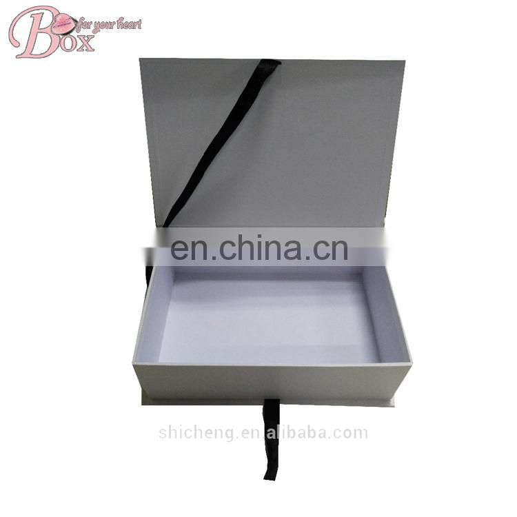 Magnetic Closure Custom Packaging With Ribbon