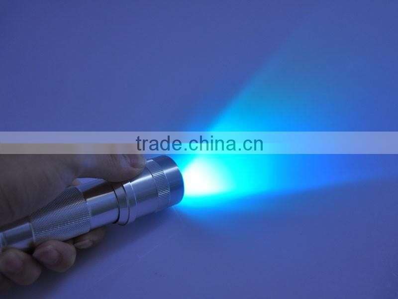 Hot Sale 3W Multicolor Changing LED Flashlight Torch