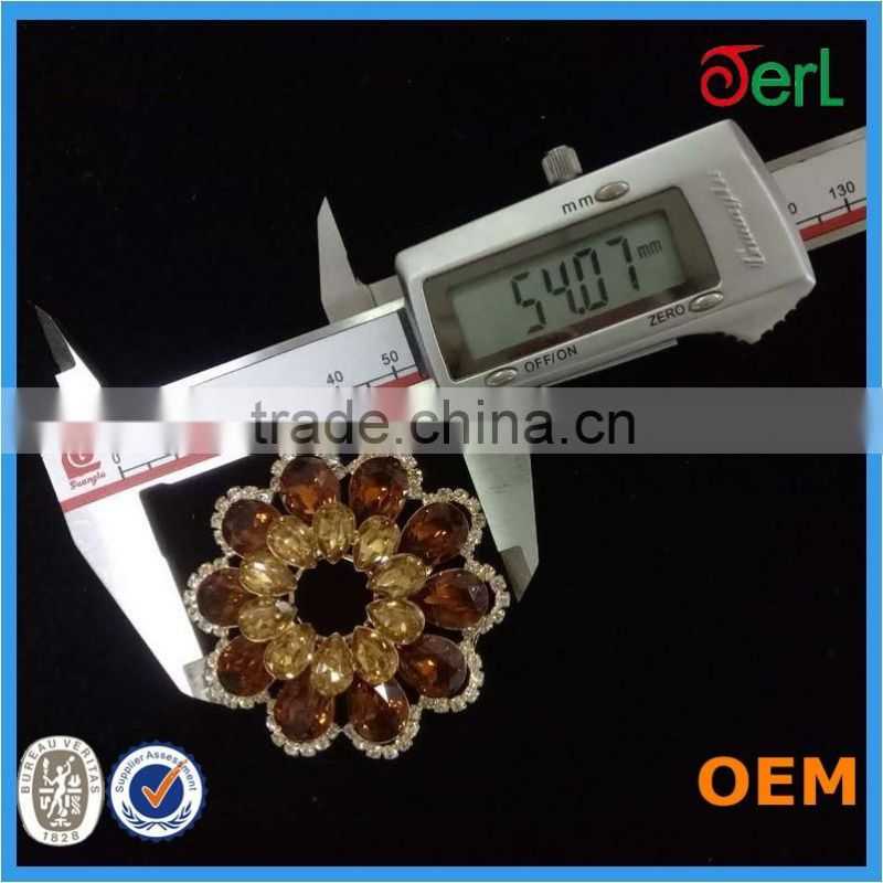 Wholesale Fashion elegant diamond flower shape bulk metal brooch