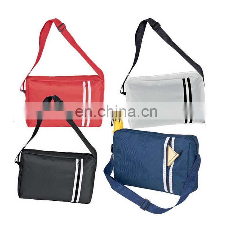 Padded shoulder strap messenger bag for men