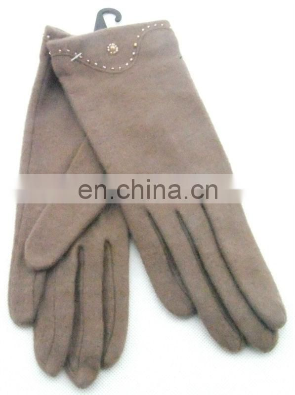 Lady's fashion glove