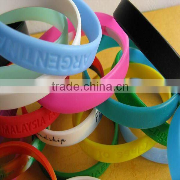 Debossed or embossed logo in silicone bracelet