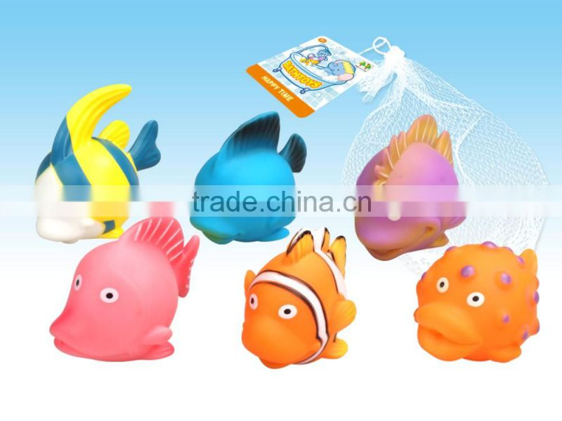 2016 Bath Toys made from Vinyl. with water spray function, 2 year quality garantee