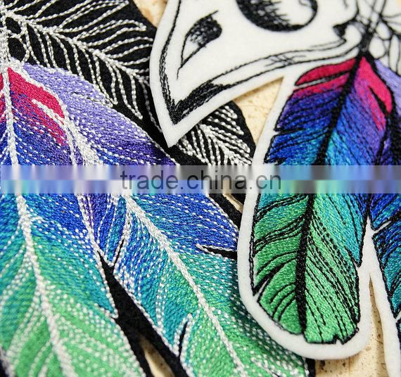 Custom high quality embroidered creative bird patch for clothes embroidery patch made in china choose size/color