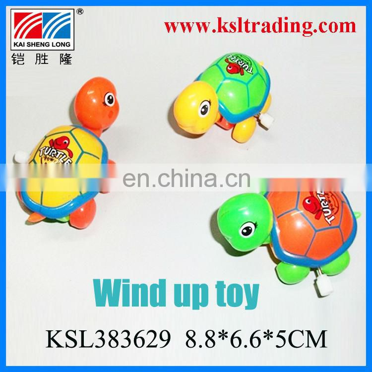 plastic toy wind up turtle