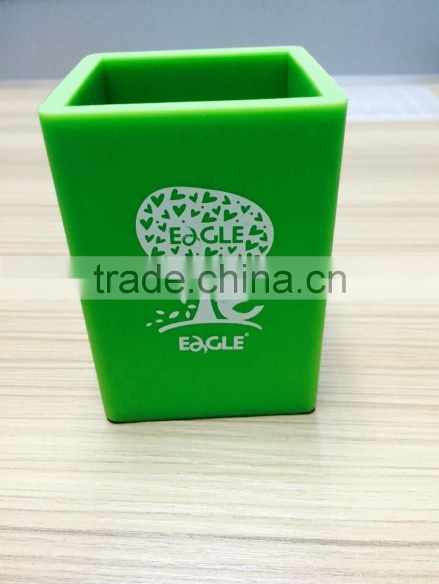 Eco-friendly Green color convinent silicone pen container/pen holders