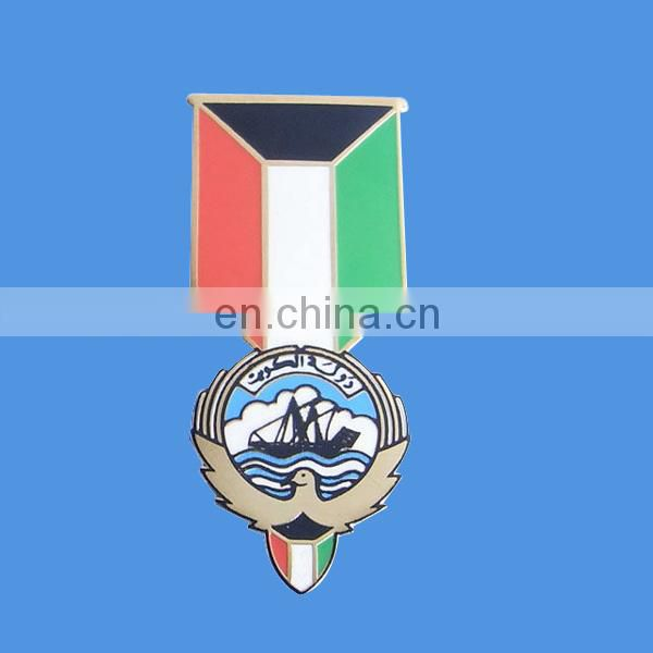 custom metal dubai badge with enamel