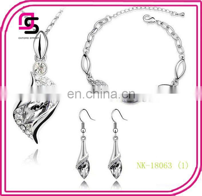 New arrival elegant shiny angle-eyes crystal jewelry sets