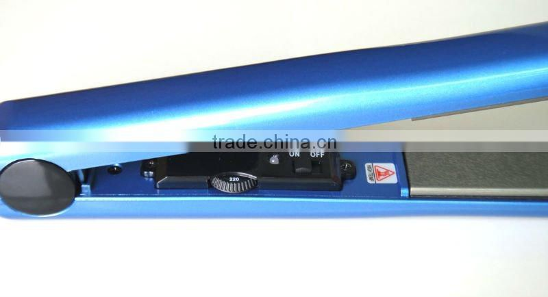 Classic Black Salon Professional Portable Hair Straightener, hairdressing product