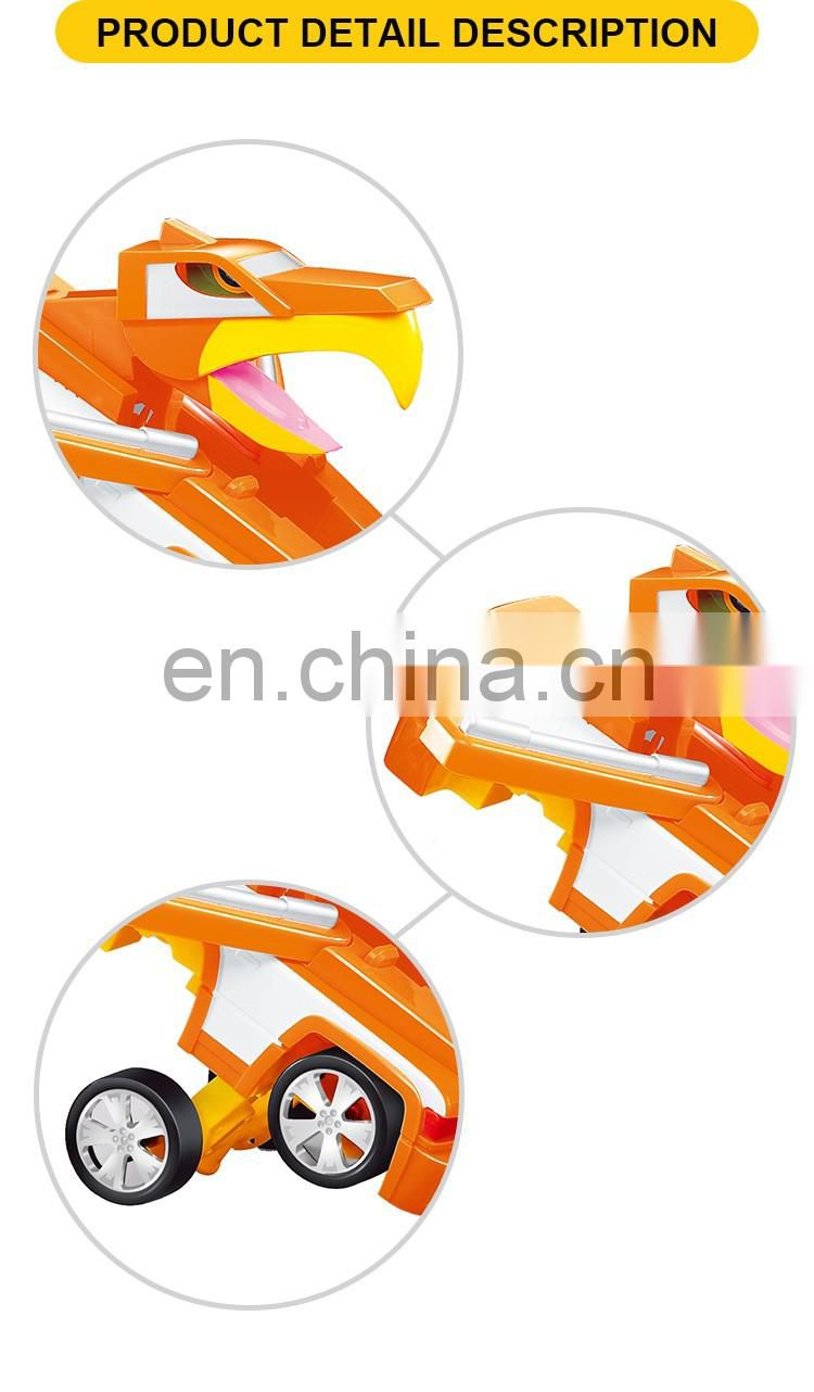 New design 16cm free wheel deformation toy car
