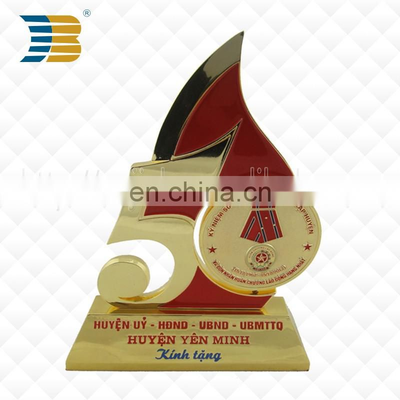 Manufacturer direct sales metal gold plating anniversary trophy
