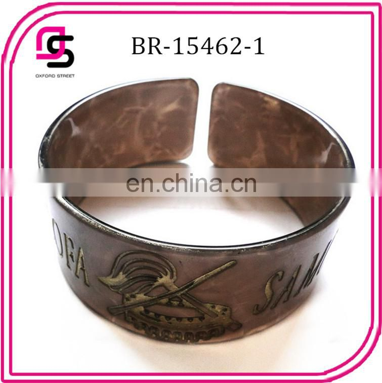 2014 fashion open cuff tortoise bracelet with carved plastic tortoise jewelry