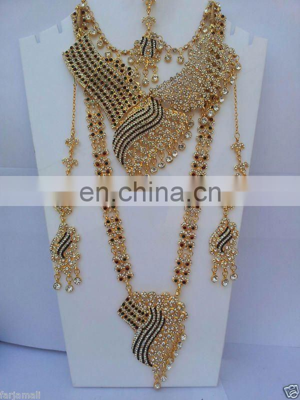 INDIAN BOLLYWOOD EXCLUSIVE DESIGNER BRIDAL JEWELRY SET