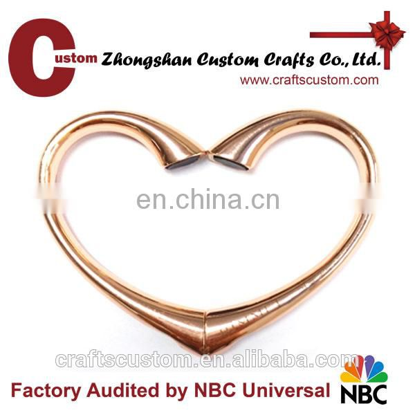 Custom foldable fashional heart shape bag hanger