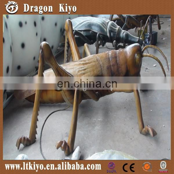Life Size Simulation Insect Grasshopper made of silicon rubber for sale