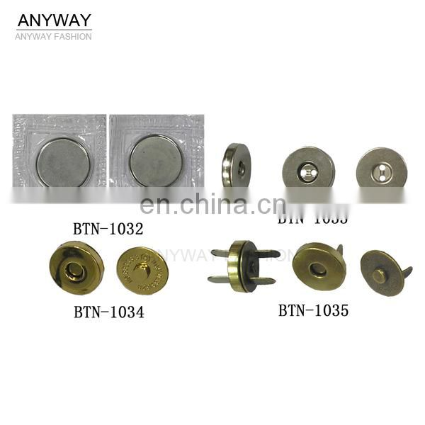Golden prong magnet button