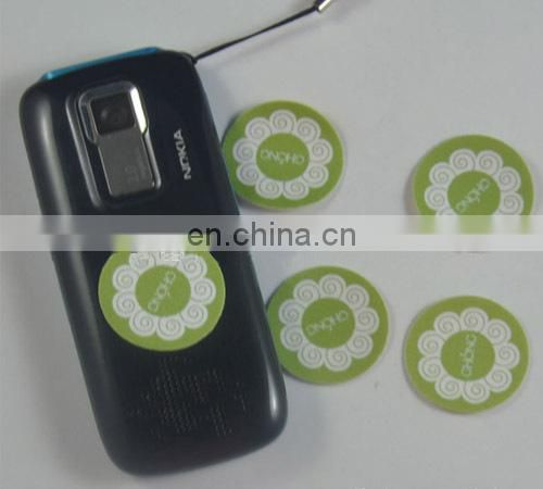round mobile phone sticky screen cleaner