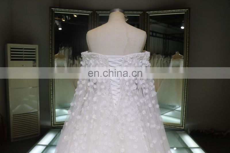 2016 China wholesale Off shoulder long train lace applique halter wedding dress
