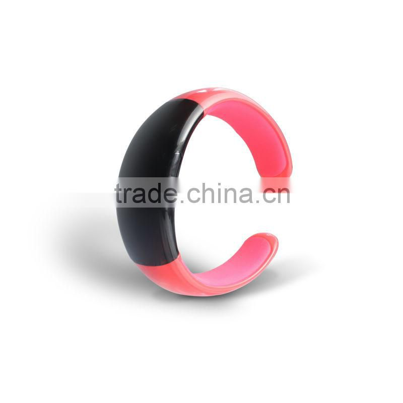 fashional and OEM model 2013 bluetooth bracelet with vibration sms
