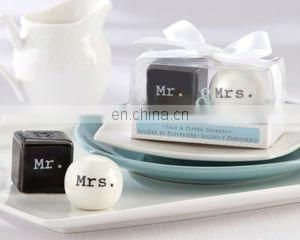 Personalized Silhouettes Hand Sanitizer with Carabiner Wedding Favors