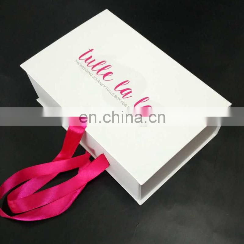 2017 new custom UV coating logo foldable wedding dresses boxes packaging box