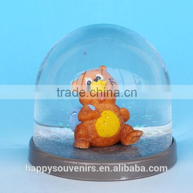 High Quality Funny Squirrel Platice Resin Snow Globes For wholesale