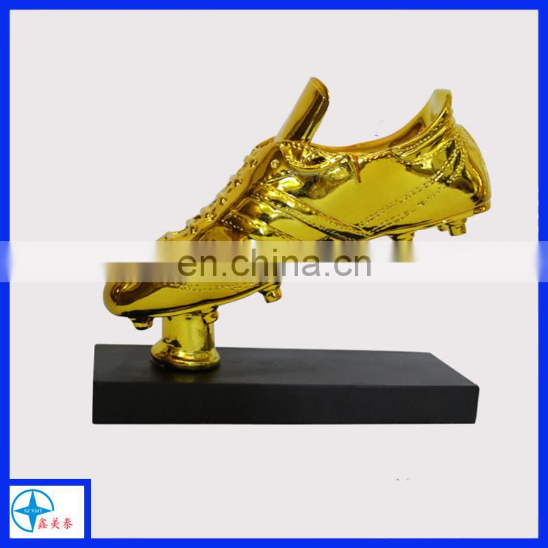 customized resin golden shoes for soccer ball game trophy