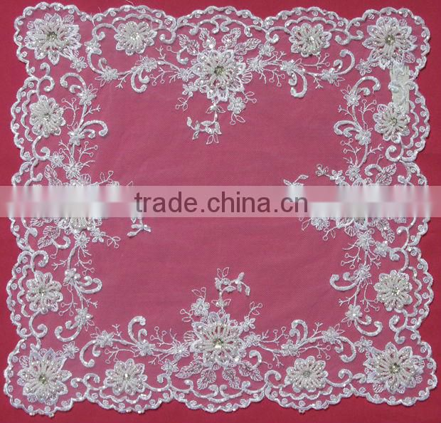Guangzhou Soft White Wedding Tablecloth With Pearls Beads Manufacture