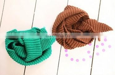 Acrylic knitted scarf for kids