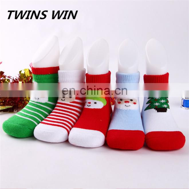 Europe 2018 hot wholesale anti slip winter cartoon christmas style unisex organic cotton socks