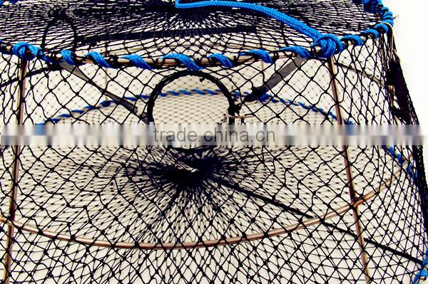 Traps for shrimp aquaculture