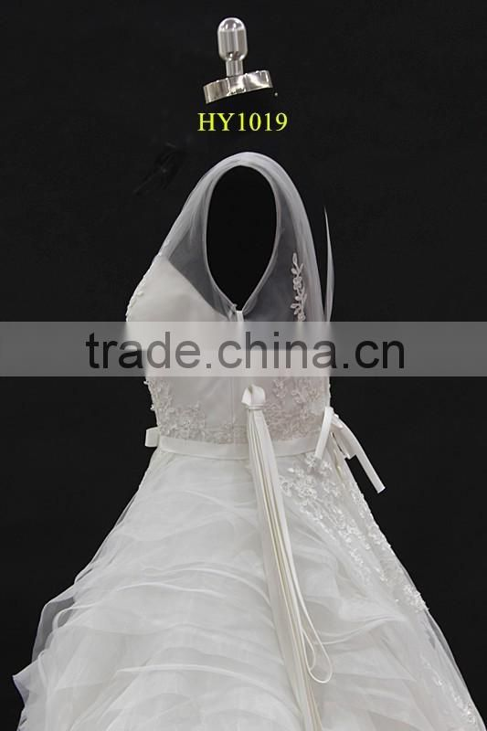 2016 new design! V-neckline two straps beautiful ruffle skirt lace beading wedding dress