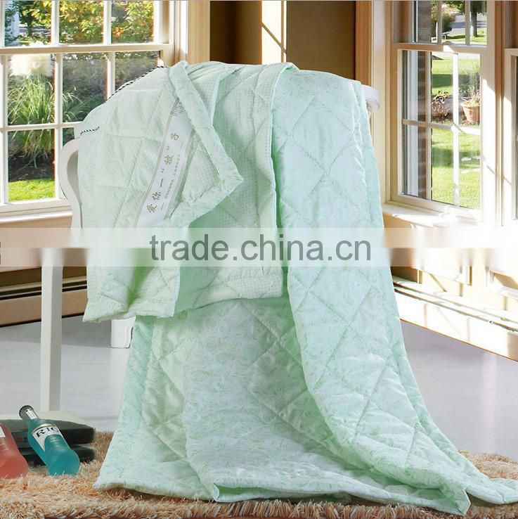 China suppliers Wholesale cheap Plain Color Microfiber Indian Embroidered Bedspread Polyester patchwork quilted bedspreads