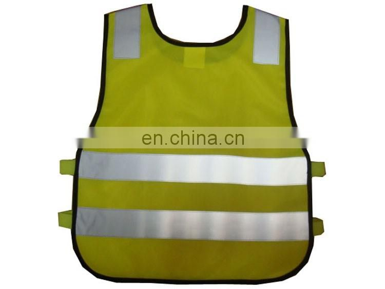 Hi vis reflective safety vest with pocket of child running gear