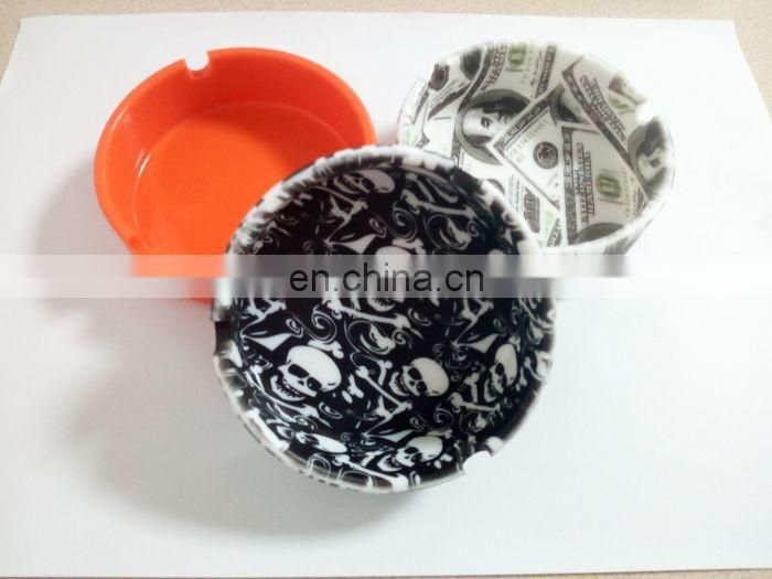 Eco-Friendly Round Silicone Pocket Floor Ashtray Cigarette Butt Receptacle